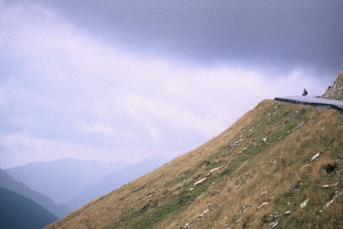 Thorsten Schröder Pyrenäen Frankreich 1998 auf einem Pass